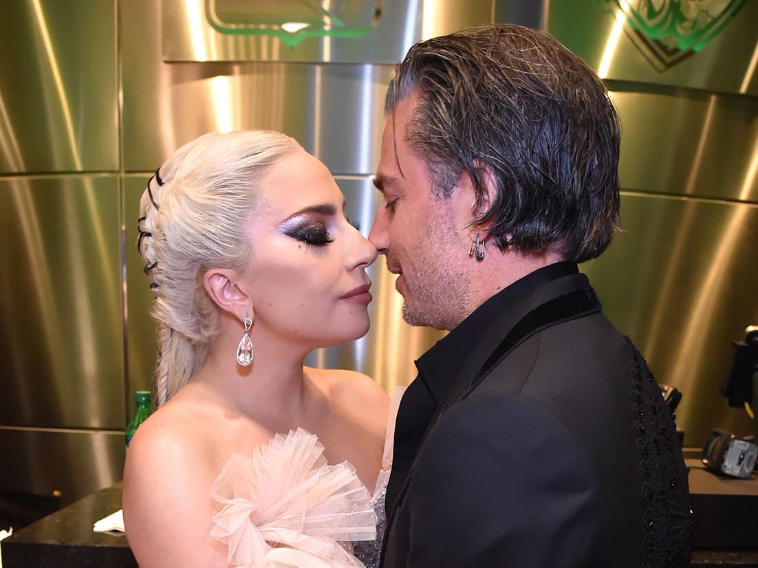 Lady Gaga announces engagement 1