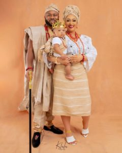 Traditional Themed Family Shoot